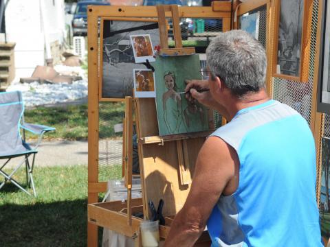 Um pintor no Festival de arte de Allentown