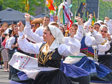 O vibrante desfile durante o Portugal Day (Dia de Portugal)
