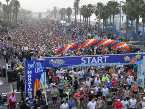 Comparecimento massivo para a Maratona Surf City USA