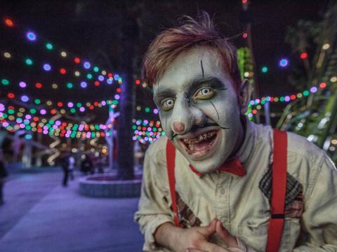 Personagem caracterizado no evento Knott's Scary Farm