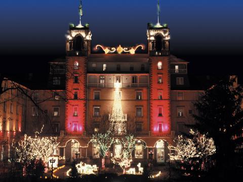 Luzes de fim de ano no Hotel Colorado em Glenwood Springs