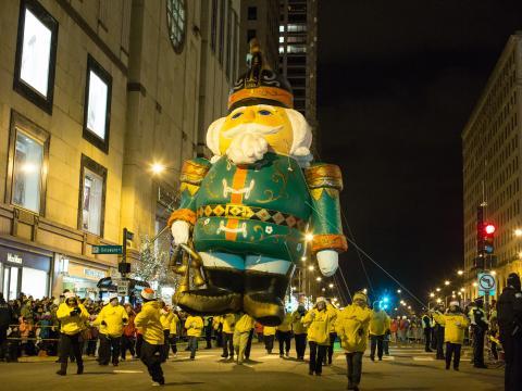 Magnificent Mile Lights Festival, um desfile com árvores iluminadas na North Michigan Avenue