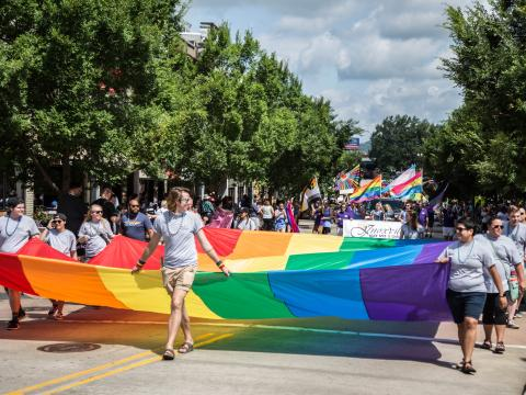 Desfile durante a Knox Pridefest, em Knoxville, Tennessee